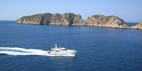 Yacht cruising malgrats islands in Mallorca